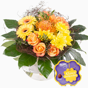 Gelber Blumenstrauß mit Geschenk